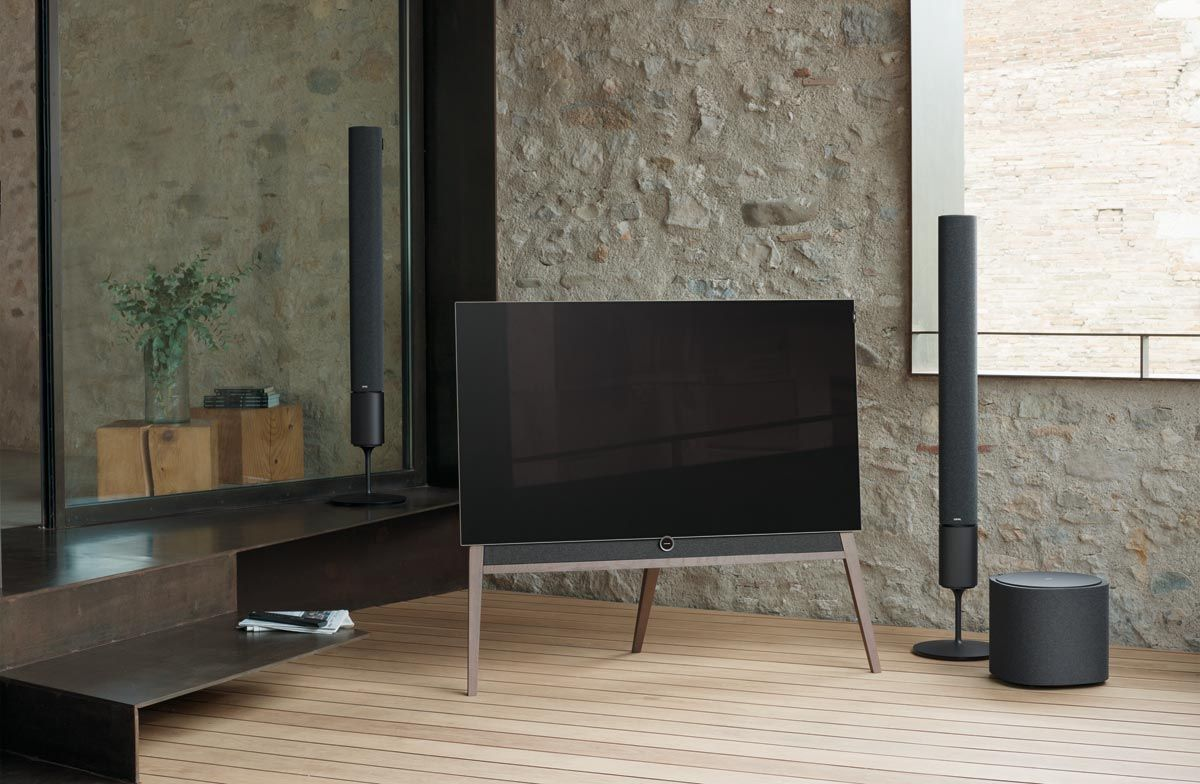 loewe tv oled bild in arrivo av magazine. Black Bedroom Furniture Sets. Home Design Ideas