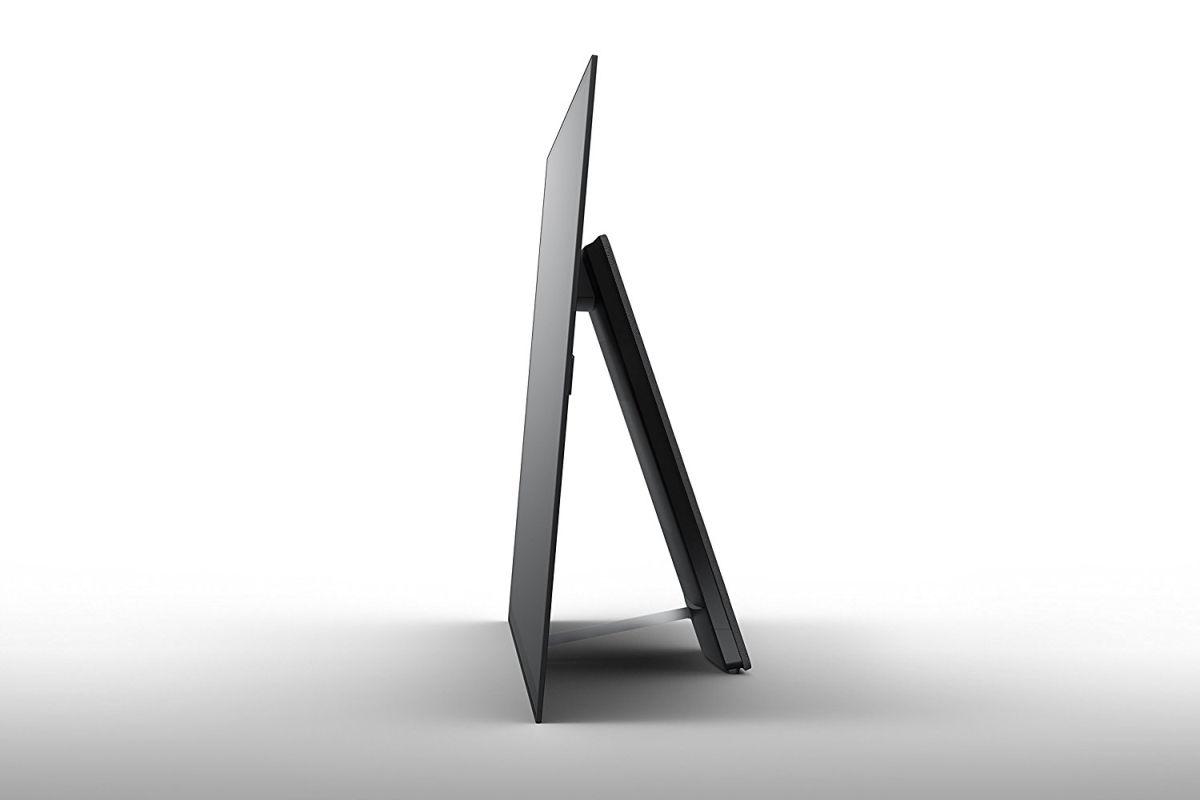 Da LG un display OLED trasparente, flessibile e da ben 77''